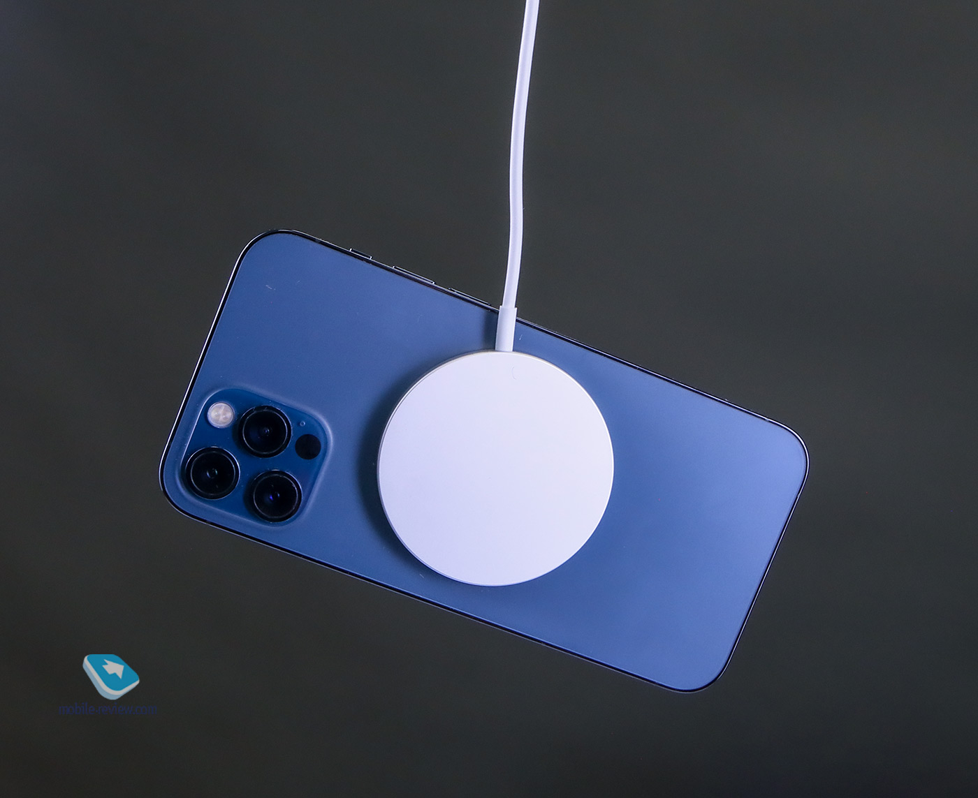 Обзор беспроводной зарядки Apple MagSafe