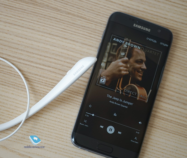 Mobile-review com Обзор Bluetooth-гарнитуры Samsung Level U Pro ANC
