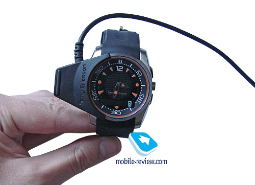 Mobile-review.com Review of Bluetooth watch Sony Ericsson ...