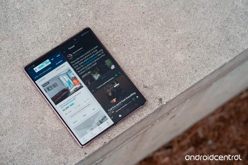 Как превратить гибкие смартфоны в мейнстрим:  четыре подсказки для Samsung
