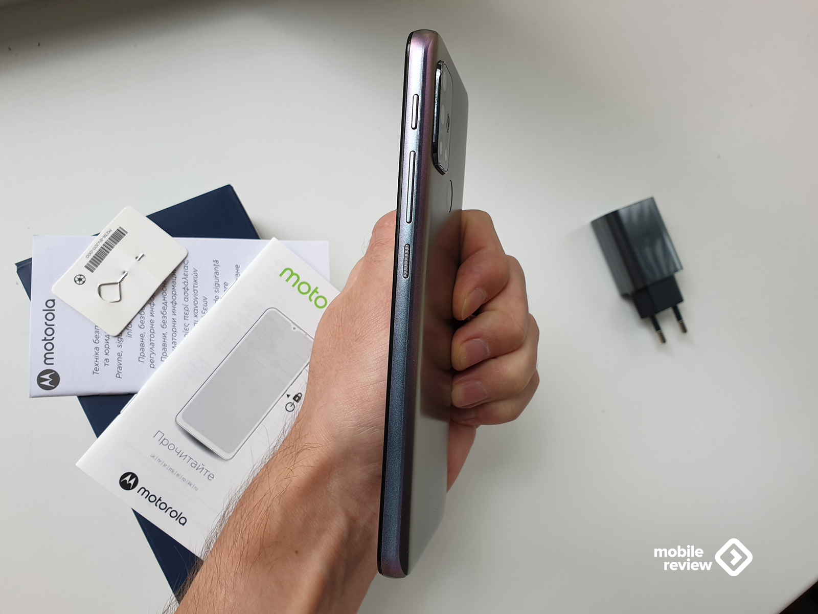 Обзор Motorola Moto G30: какими смартфонами компания завоевала рынок США?