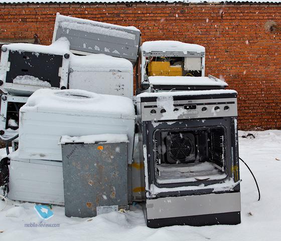 куда старый холодильник