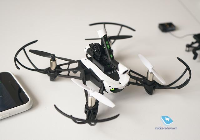 Обзор дрона Parrot Mambo