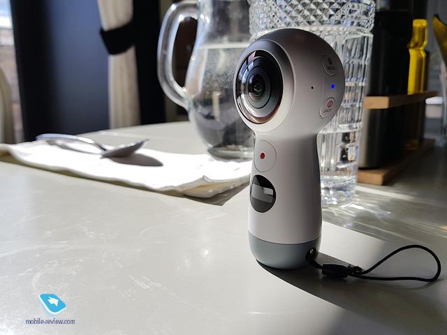 Обзор панорамной камеры Samsung Gear 360 (2017 - SM-R210)