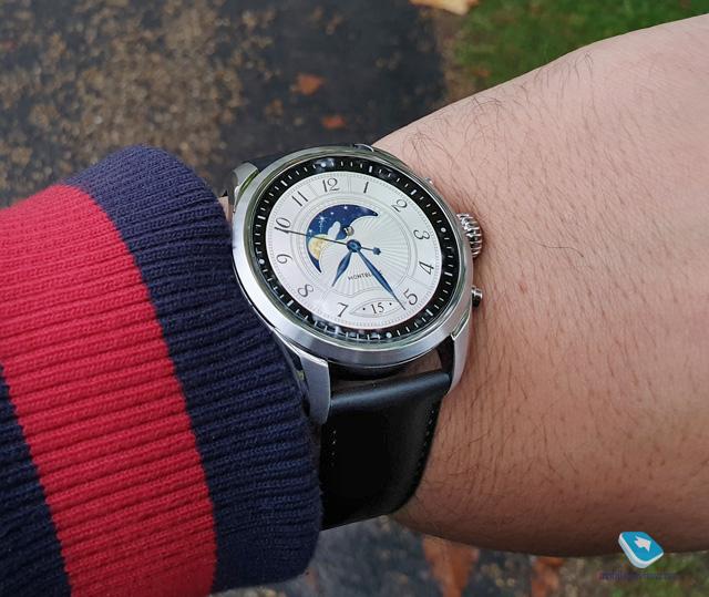 Обзор умных часов Montblanc Summit 2