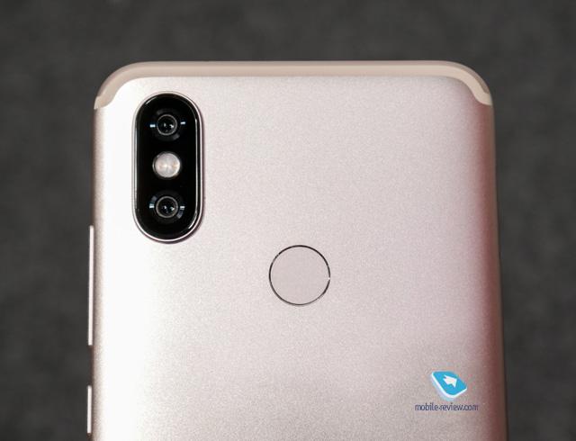 Mobile-review com Xiaomi Mi A2 и A2 Lite  Первый взгляд