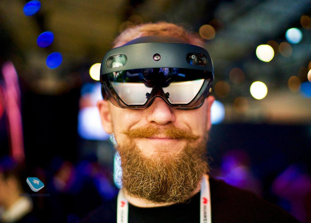 Знакомство с HoloLens 2, очки виртуальной реальности будущего