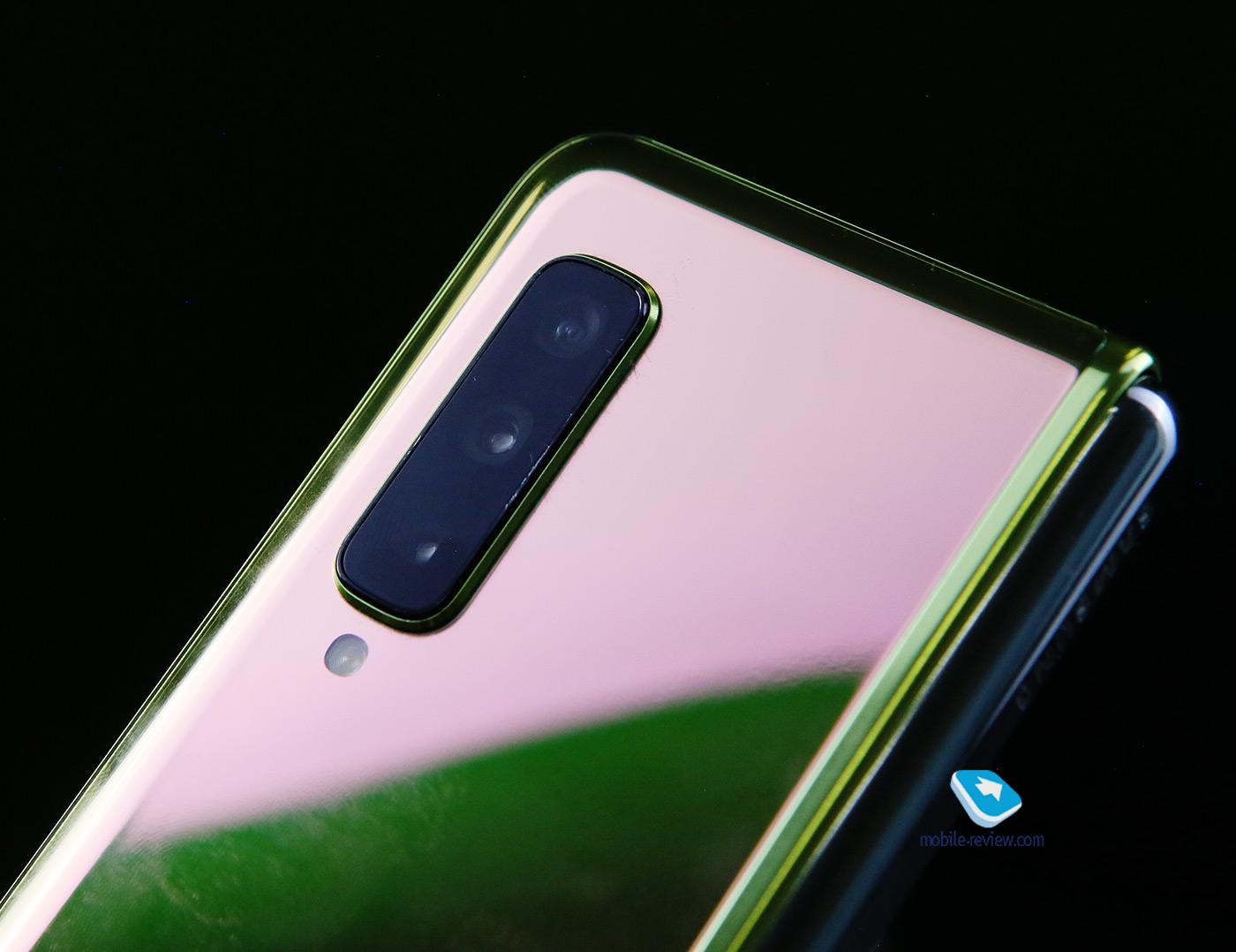 Опыт использования смартфона с гибким экраном Samsung Galaxy Fold