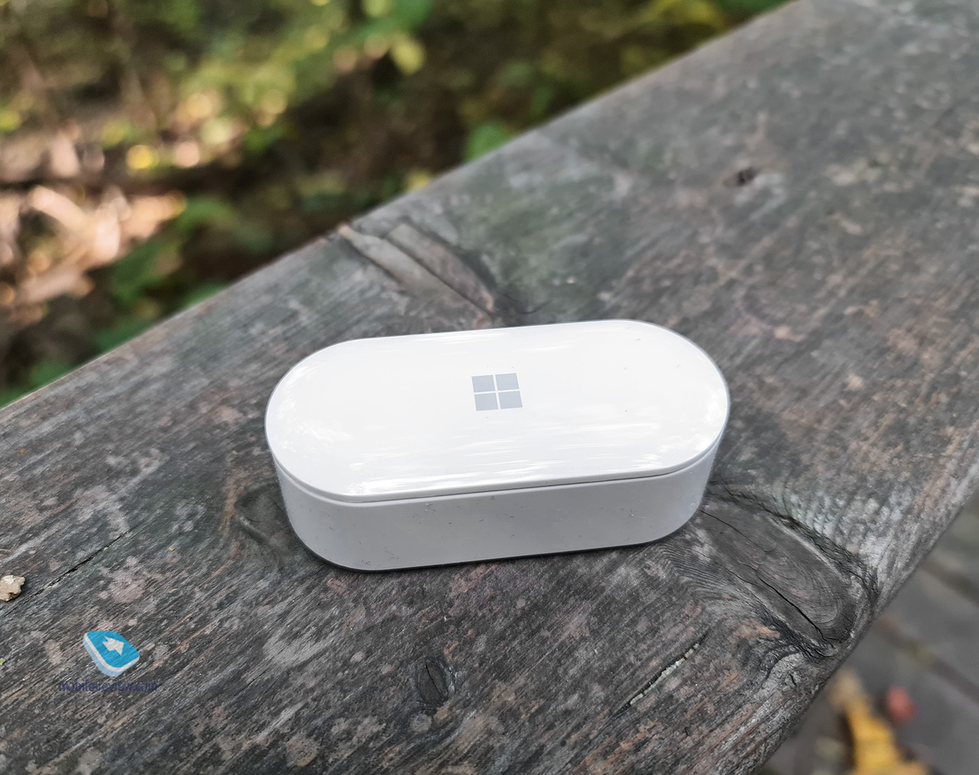 Бирюльки №609. Прямые линии в наушниках Microsoft Surface Earbuds
