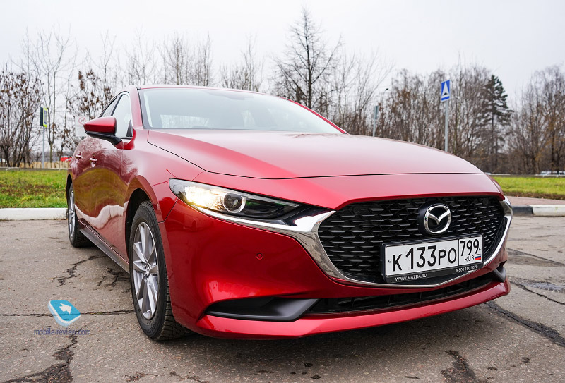 Тест Mazda 3 седан. Премиум по-японски