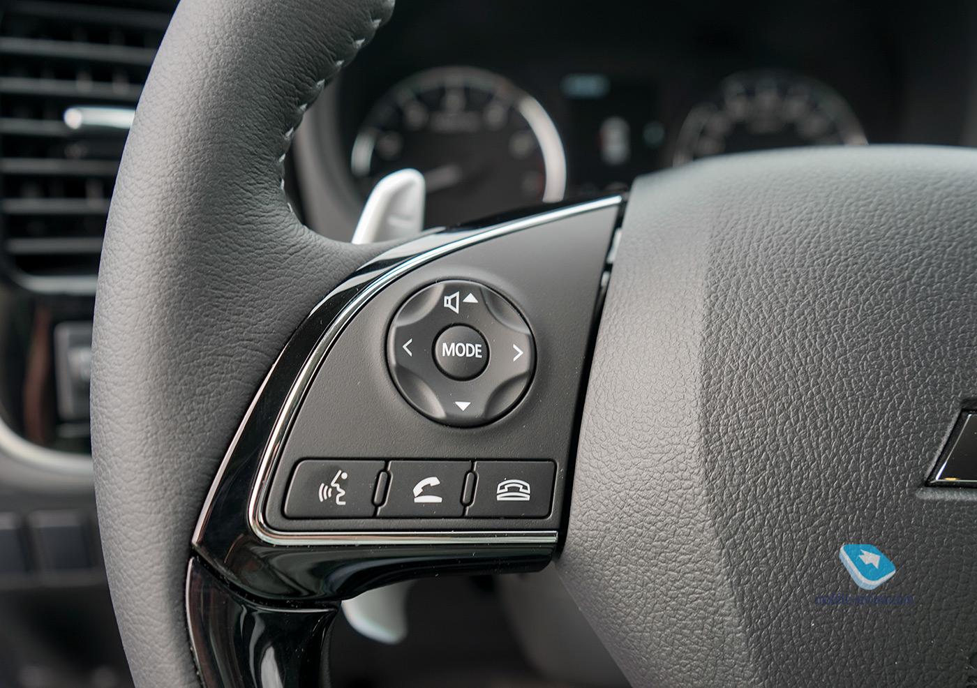 Тест Mitsubishi Outlander III. Теперь с «Яндекс.Авто»
