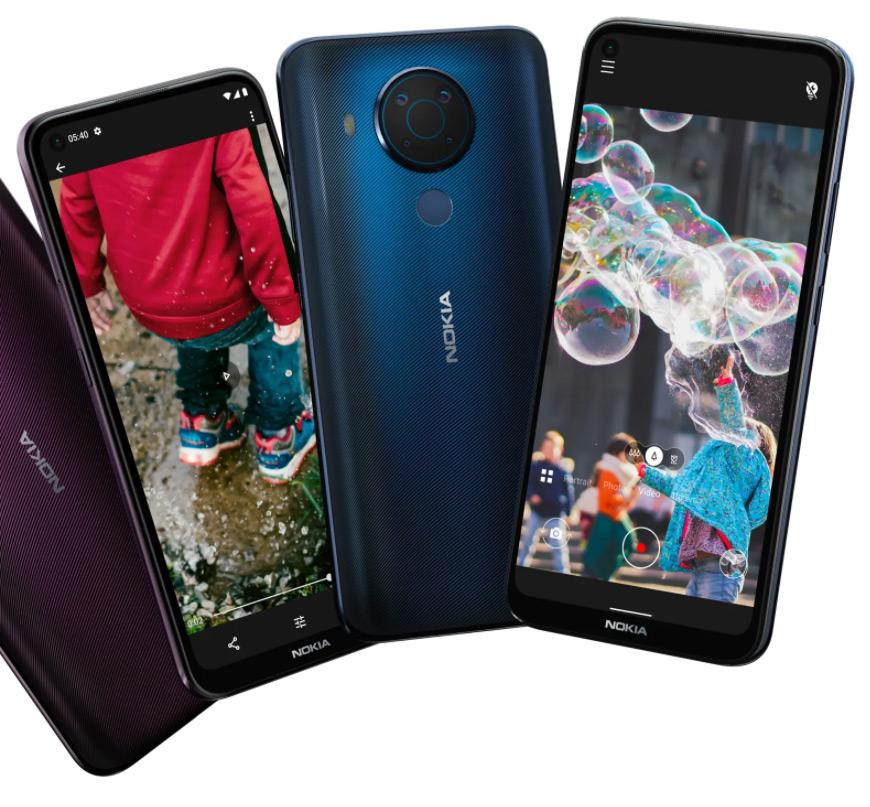 5 телефонов для школьников