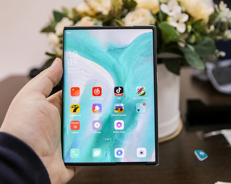 Новый форм-фактор смартфона с гибким экраном-рулоном. Первые впечатления