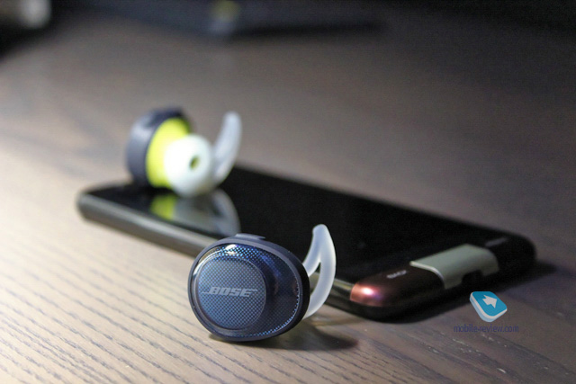 Mobile-review.com Обзор беспроводных наушников Bose SoundSport Free 2fc725beea8b6