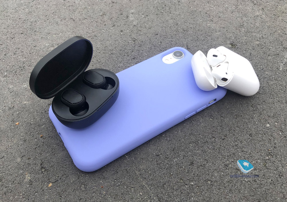 Apple AirPods vs Redmi AirDots
