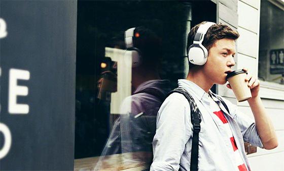 Kанадa: нарушения слуха от громкой музыки нашли у четверти подростков
