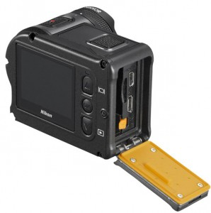 nikon_action_camera_keymission_170_battery-chamber