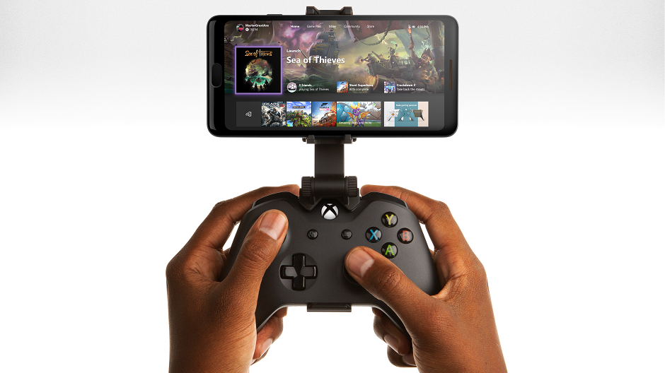 XboxServices_GmStrmng_Hero_2019_Male1_RGB_HomeScreen_Edit