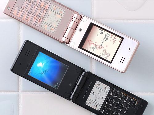 Телефонов новой линейки из 703i серии