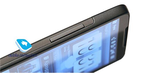 На нижнем торце HTC HD2