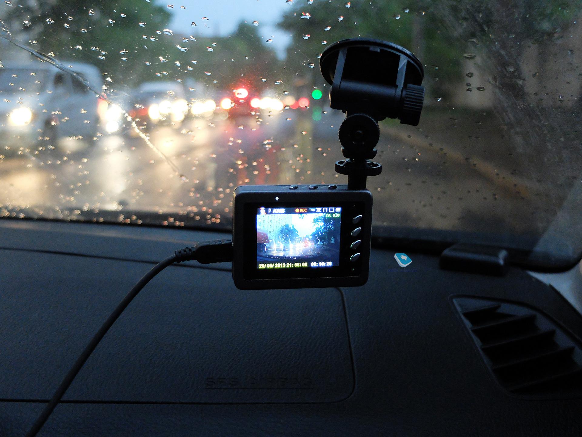 какие функции автомобильного видеорегистратора