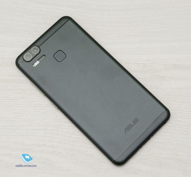Первый взгляд на Asus ZenFone 3 Zoom