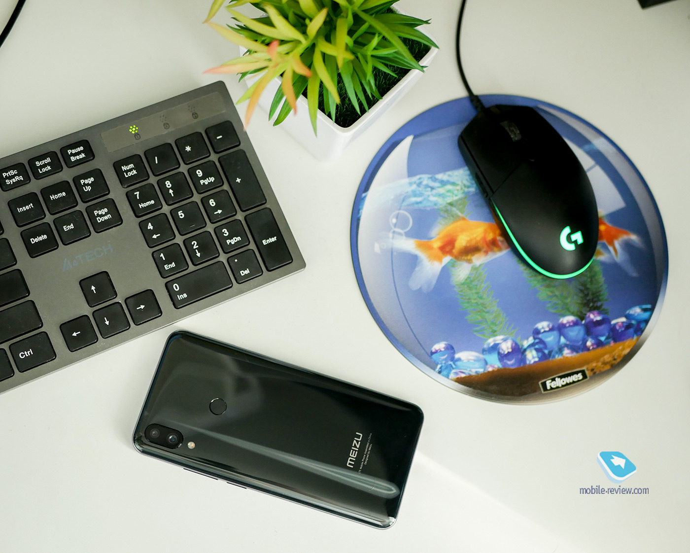 Mobile-review com Обзор смартфона Meizu Note 9