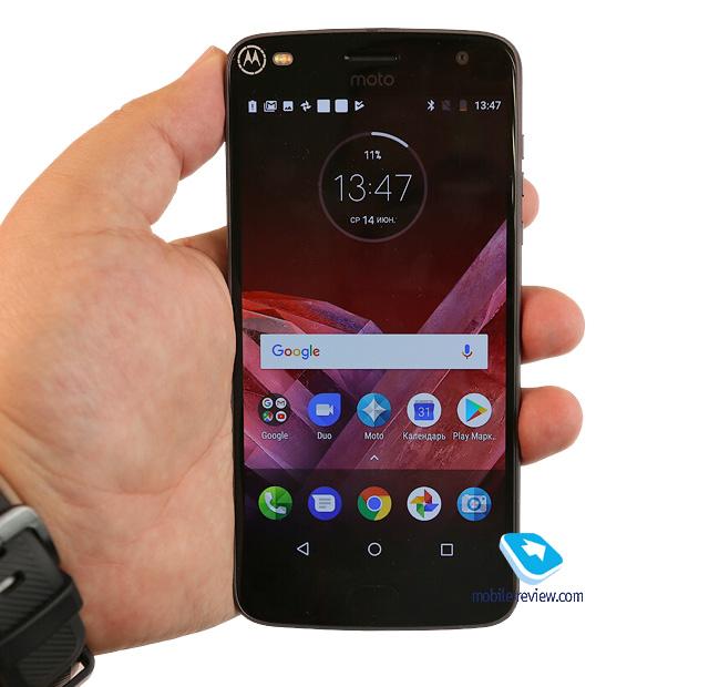 Первый взгляд на Motorola Z2 Play – флагман компании