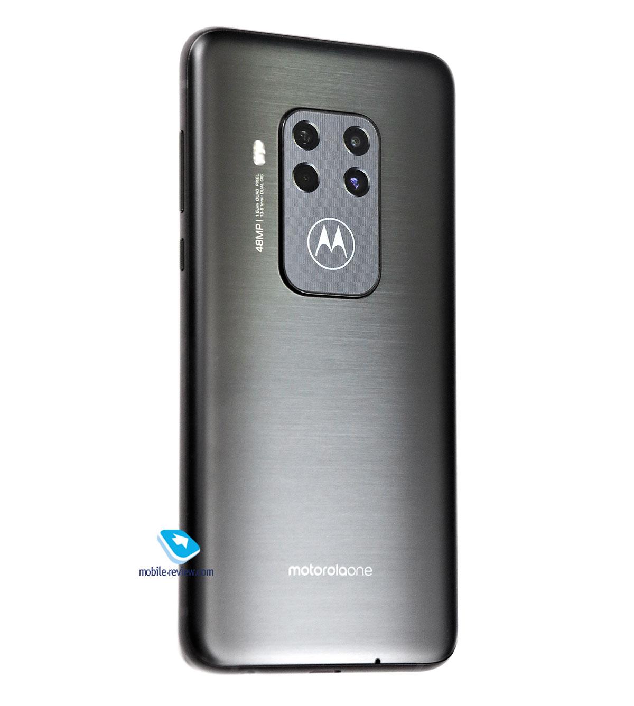 Обзор смартфона Motorola One Zoom