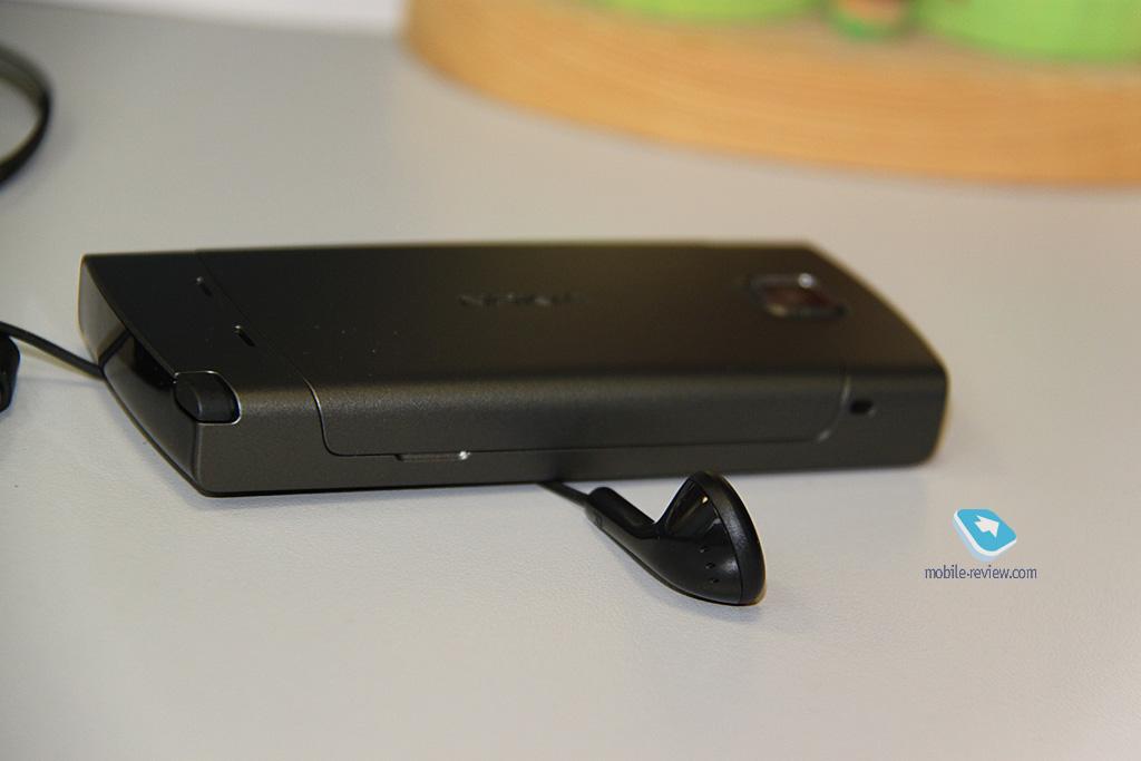 Фотографии Nokia 5250 в интерьере.