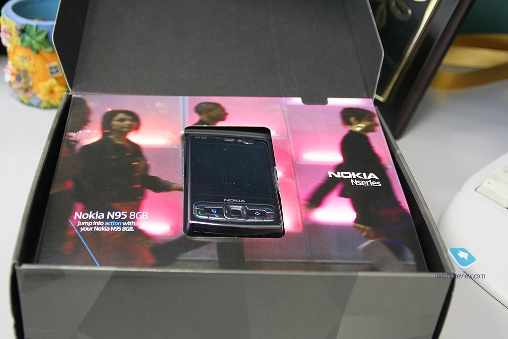 Фотографии Nokia N95 8Gb в интерьере.