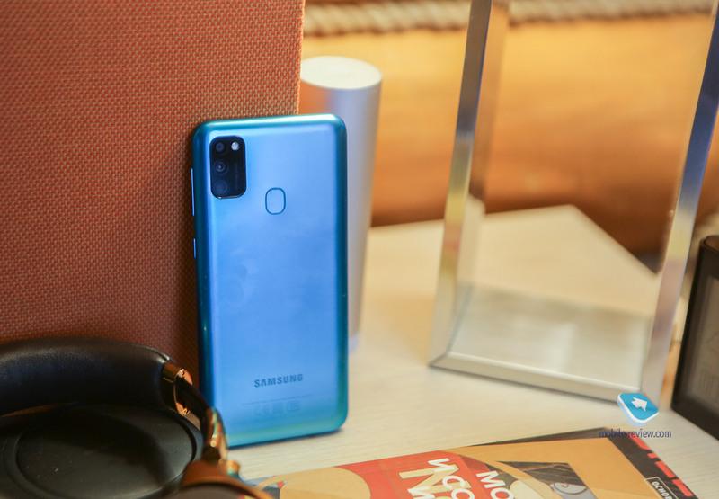 Обзор смартфона Samsung M21