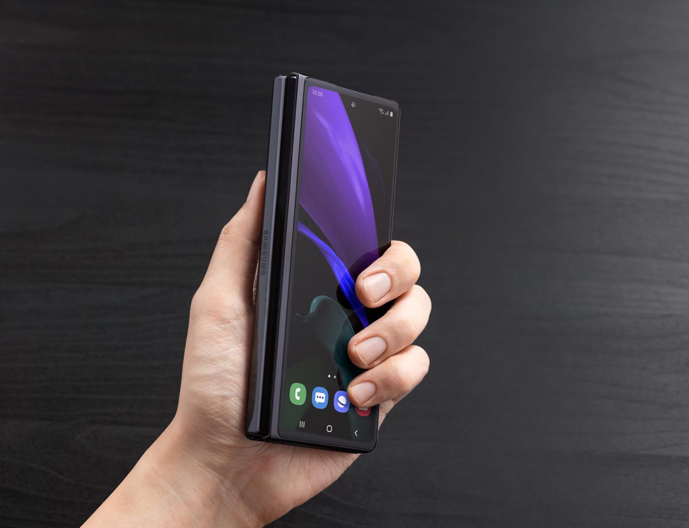 Первый взгляд на Galaxy Z Fold2, уникальные фишки в деталях