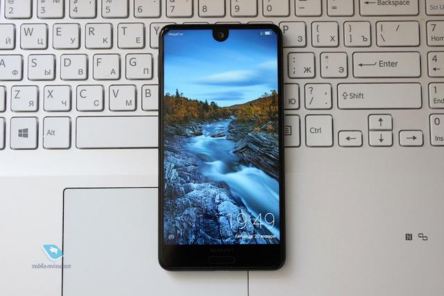 Обзор безрамочного смартфона Sharp AQUOS S2