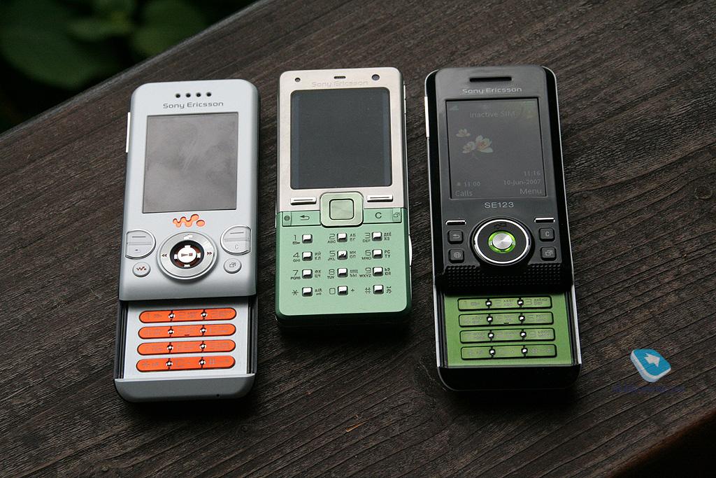 mobile review com review of gsm handset sony ericsson w580i Sony Ericsson Walkman W580i Sony Ericsson Walkman W580i
