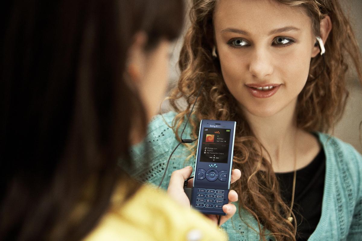 Sony Ericsson Live Инструкция