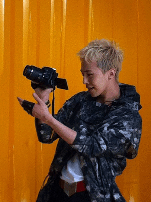 Мобильная новость: Мобильная новость: Nikon D5100 на фото, но без.