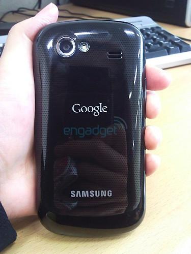 В Сети появились характеристики и фотографии Google Nexus S